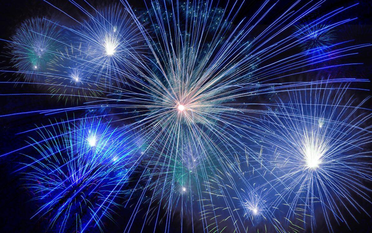 2015-2016-fireworks-40663-1200x752.jpg